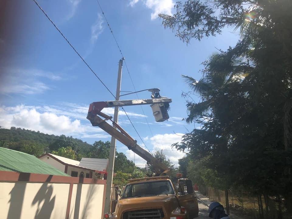 Brigadas inician trabajos de iluminación en diferentes sectores del municipio